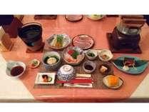 夕食です。信州野菜を使ったしゃぶしゃぶ会席です。