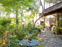 ■外観■笠置山の山頂付近に建つ旅館。併設の和cafeもお気軽にご利用下さい♪