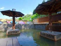 【百畳露天風呂】泉質:塩化物泉 鳴子温泉最大級の百畳露天風呂。時間:5:00~10:00/5:00~22:00