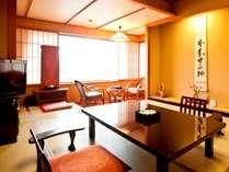 鹿門亭 和室の一例。ゆったりとした造りの和室ですのです。