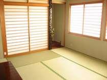 【本館2階】和室6畳  こちらは「こがね」というお部屋になります。