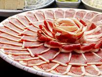 鴨肉はクセもなくさっぱりしているので、出汁を楽しむには最適!〆はお蕎麦♪