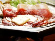 猪肉をたっぷりバターで焼いて、塩かポン酢で食べる(^o^)香り高い脂身が映えて最高に美味しいんです!!