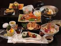 鮑踊り焼き・刺身舟盛付…料理長の厳選素材で贅沢に♪【輝-かがやき-の膳】