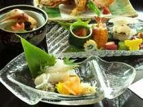 函館名物の烏賊。夕食には烏賊そうめん、朝食には烏賊刺しでお召し上がりいただいております。