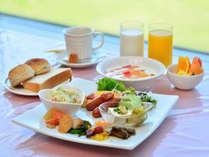 【朝食バイキング】一日の活力!種類豊富な和洋バイキング。