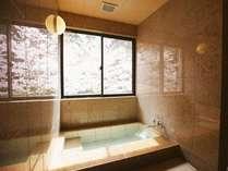 お部屋の内風呂もすべて源泉かけ流しの温泉♪景色もひとりじめ