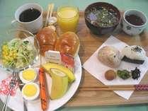 朝食メニューおにぎりが追加になりました