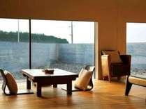 【全室スイートルーム】和洋室、各客室は独立し、リビング、寝室、和室の構成。細部にまでこだわった設計