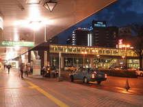 JR長岡駅よりペデストリアンデッキ直結!徒歩2分!