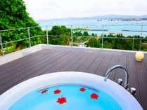ジャグジーから古宇利島の美しい景色を堪能することが出来ます!