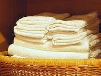 各お部屋にはタオル・バスタオル・アメニティを揃えております。