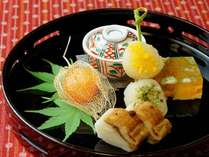 月毎に変わる拘りの「文月料理」(前菜一例:観て食べて美味しい季節の食材)