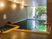 【温泉大浴場】フロント棟にある温泉大浴場「花いずみの湯」
