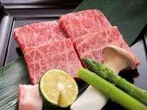 メインのお肉は陶板でお好みの焼き加減でお召し上がり下さい♪
