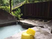 宿泊のお客様は露天風呂を貸切利用(30分間)することができます。