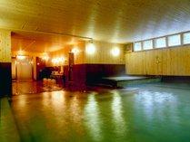 別館「桧の湯」は、当館直下からくみ上げた豊富な湯量が自慢!