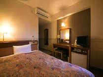 当ホテルの客室は全室 VOD、冷暖房、インターネット接続可、無料Wi-Fi完備☆