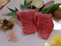 【アラカルト】熊野牛参画バラと地野菜の陶板焼(1人前)