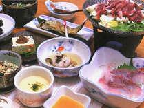 *【夕食一例】自然の恵みを生かした素朴な郷土料理