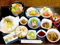 *夕食一例/信州ならではの旬の味覚を味わえるお料理。