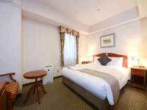 スタンダードダブル広さ18平米 ベッド幅150cm