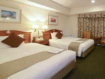 ベッド幅120cm×2台 南向きの開放感のあるスタンダードツインルーム。