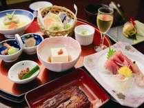 地元の川魚等を取り入れた四季おりおりのお料理(イメージ)