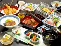 *【夕食・全体(一例)】揚げ物やお刺身など、様々な料理をご堪能ください♪