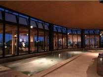 大浴場【湯河原温泉】広い湯船で旅や日常の疲れを癒して…