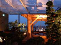 横浜港に面した檜風呂(湯河原温泉)