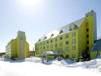 冬の安比高原温泉ホテル外観