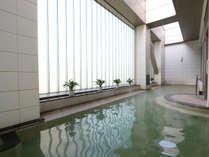 こぢんまりとした温泉露天風呂です。