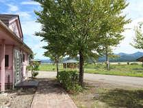 *コテージ/目の前は美しい田園風景と山の景色が広がります。