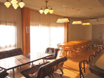 *【お食事会場】大人数でご利用いただける広々としたスペースです