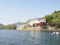 *【別館外観】東条湖の湖畔に立地。風向明媚な景色が自慢です