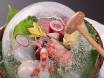 【夕食】氷のドームの中には海の幸が満載です☆