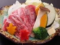 【夕食】のサーロインステーキ。とろけます。本当です。