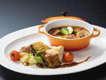 <創作イタリアン>富山県産「黒部名水ポーク」の煮込みと若鶏のロティ 香草焼き