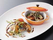 <創作イタリアン>富山県産「黒部名水ポーク」のローストと若鶏のカチャトーラ仕立て