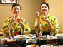 【お部屋食】見た目も華やかな夕食と栄養たっぷりの朝食に思わず笑顔になっちゃう!