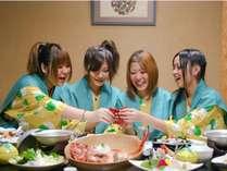 ご夕食は隠れファンが多い「みかんワイン」の食前酒でKP☆(乾杯)