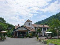 *【ホテル外観】河口湖畔に佇むお洒落なホテル&レストランです!