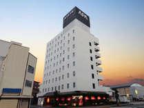 ■ホテル外観■浜松駅に程近い距離にありながら比較的静かな場所に位置しています。