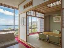 10畳リビング付き客室はリビングスペースが広々、ゆったりしたお部屋