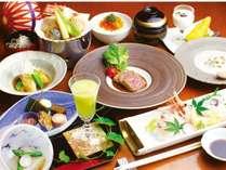 信州四季の味覚を存分に。目にも鮮やかな料理の数々を存分にご堪能ください。(夕食一例)