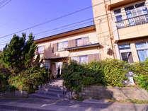 *名古屋からもアクセス便利な離島【篠島】の高台にございます。眼下には海が広がります。