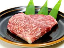 【知多牛ステーキ】柔らかい肉質と極上な甘味の霜降肉を是非とも御賞味下さい☆