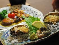 """【料理】アワビフルコース""""アワビのお刺身""""。お刺身は磯の香と食感をお楽しみください♪"""