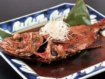 【金目鯛の姿煮】夕食クチコミ4・3のメイン料理である人気の姿煮。金目鯛目的のお客様も